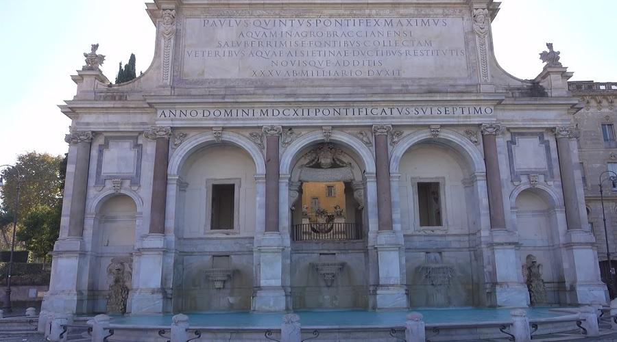Фонтан «Аква Паола» в Риме - фото
