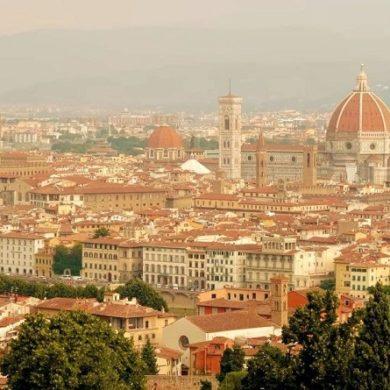 Флоренция в Италии вид с холма - фото