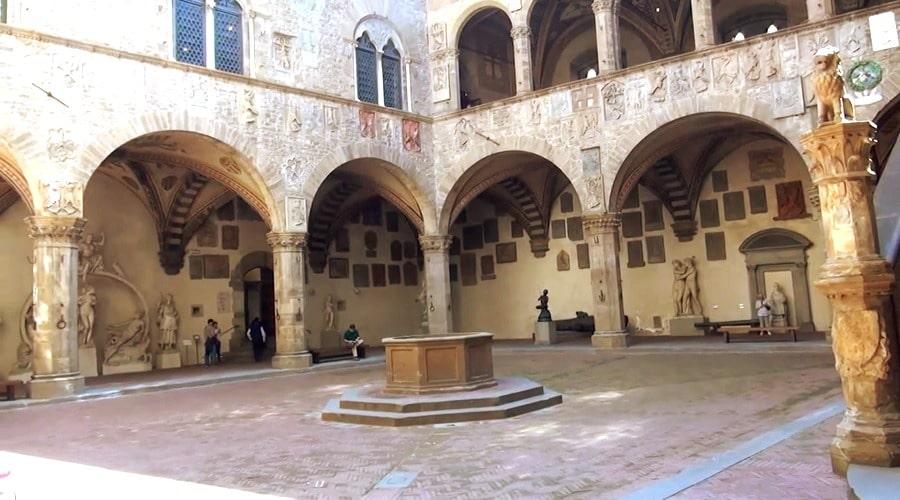 Музей Барджелло (Bargello) во Флоренции - фото