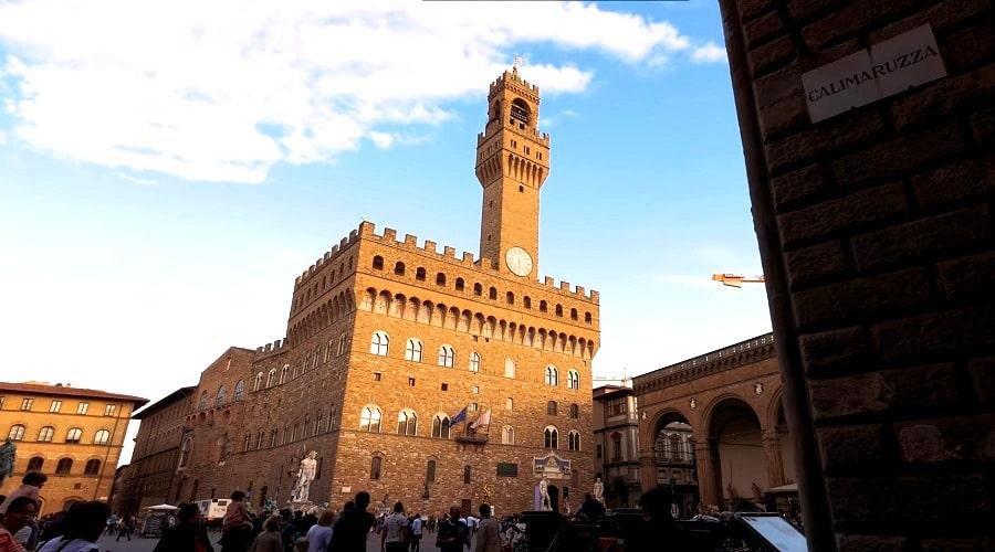 Пала́ццо Ве́ккьо или Старый дворец во Флоренции - фото
