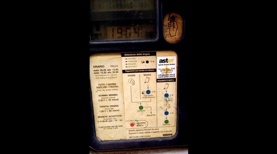 Паркомат в Италии - фото