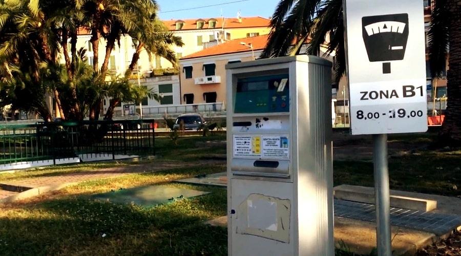 Парковочный автомат в Италии - фото