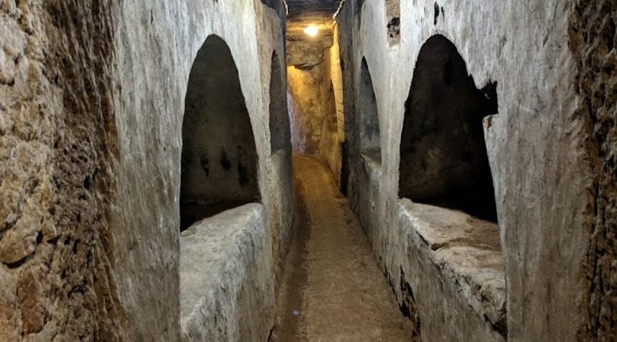 catacombs_domitilla 1 - foto