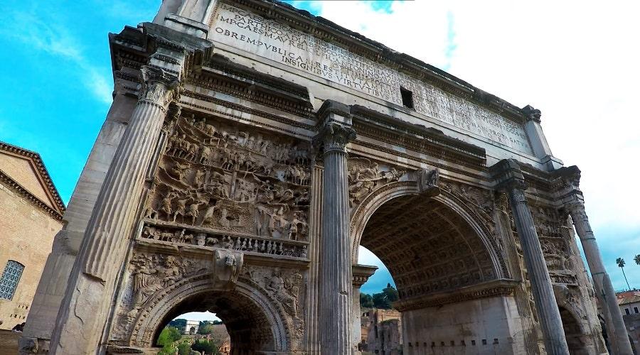 Триумфальная арка Тита в Риме - фото