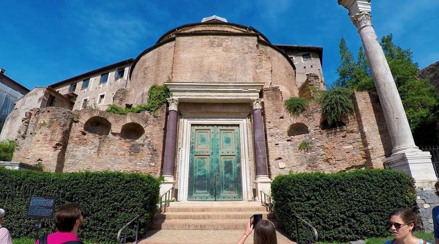 Базилика Римского форума - фото