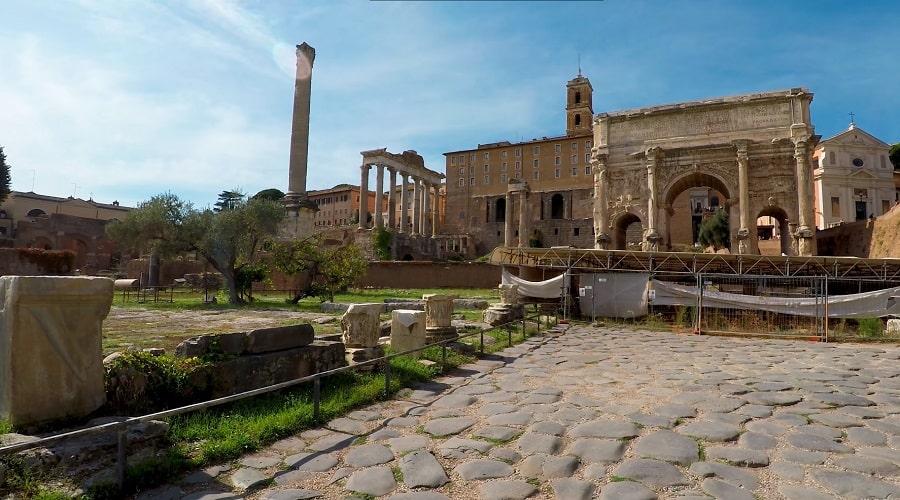Обзорное фото Римского форума (Рим) - фото