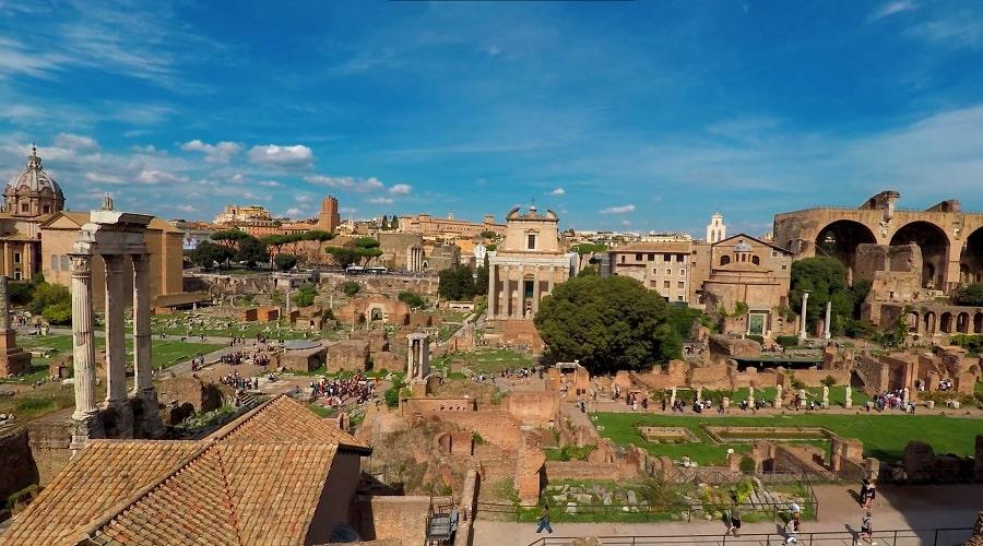 Римский форум (вид из холма) - фото
