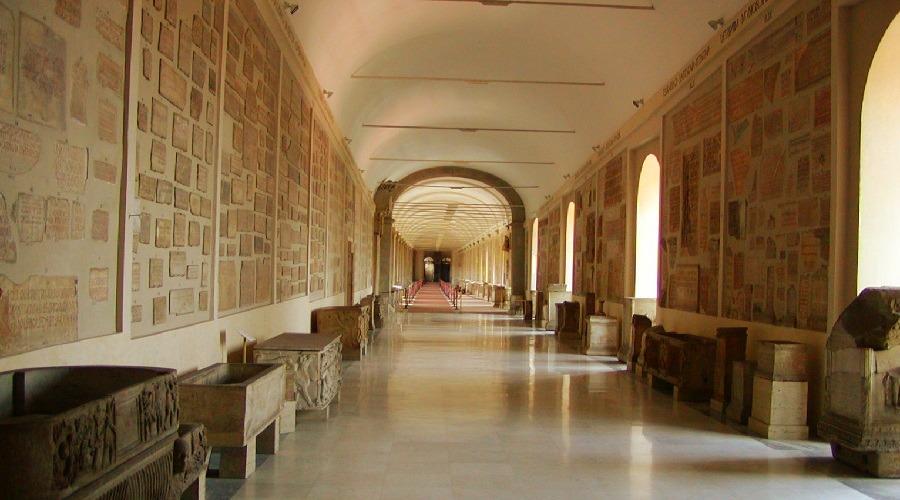 Лапидарная галерея Ватикана - фото