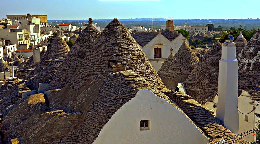 Крыши домов в Трулло Альберобелло