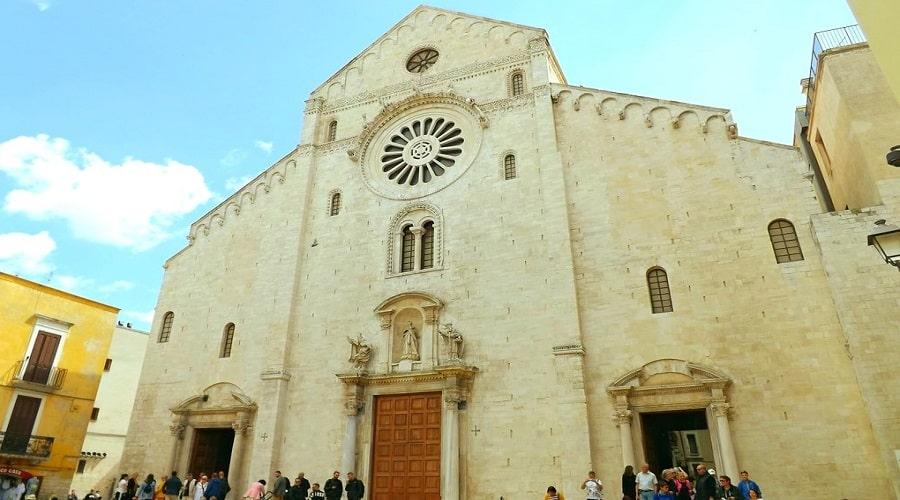 Собор Святого Савина - фото