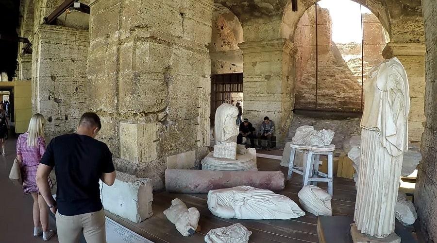 Римский колизей, фото в коридорах музея
