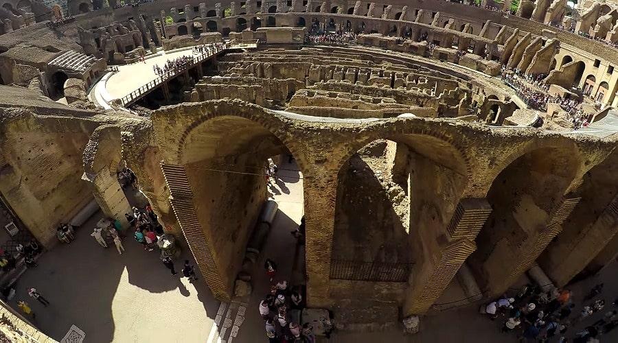 Вход в гипогей Колизея - фото