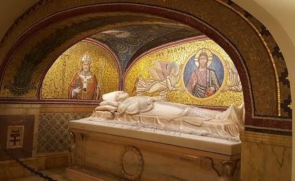 Фото некрополя Ватикана
